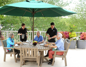 Pennswood Village residents enjoying a meal together